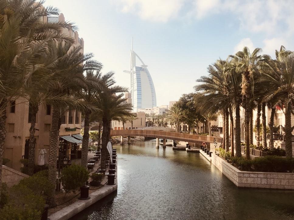 L'Expo Di Dubai E Abu Dhabi